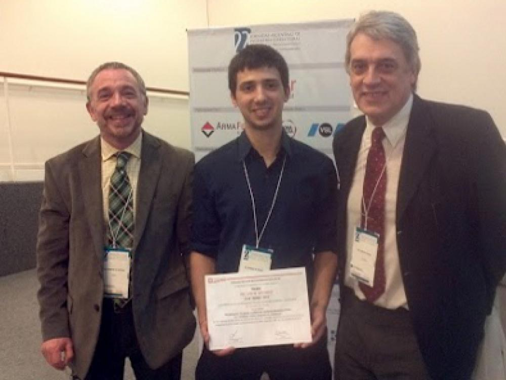 "Premio ""Ing. Luis M. Machado"""